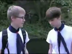 School buddies are fucking outdoors